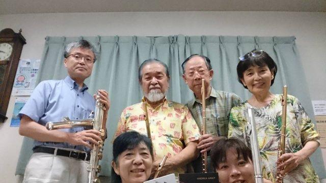 Amigos japoneses desde Nagasaki con sus CDs y flautas Muramatsu